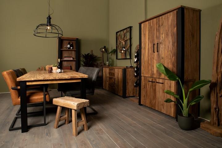 Landelijke meubelen en industriële meubelen